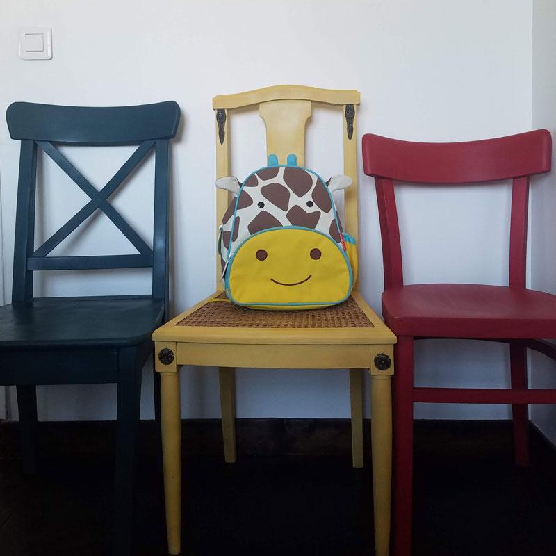 Chaises dépareillées upcycling