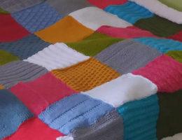 Couverture bébé patchwork au tricot