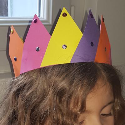 Belle couronne en papier des rois