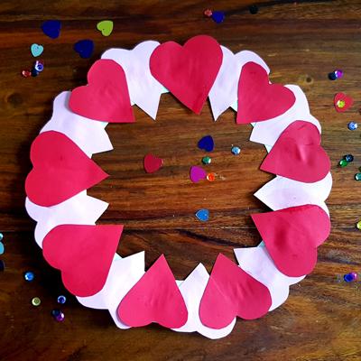 Création d'une couronne cœur pour la fête des amoureux