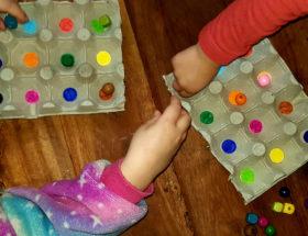 création jeu des couleurs avec boite à oeufs