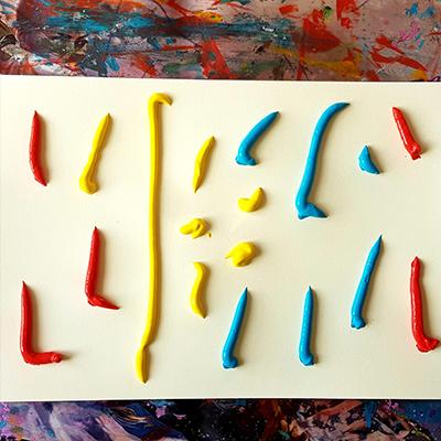 dépot de peinture couleurs primaires