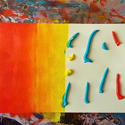 dégradés de peinture rouge et jaune au rouleau