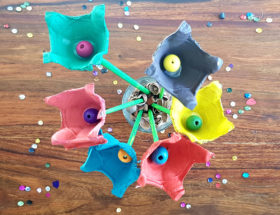 création de fleurs avec une boîte d'oeufs