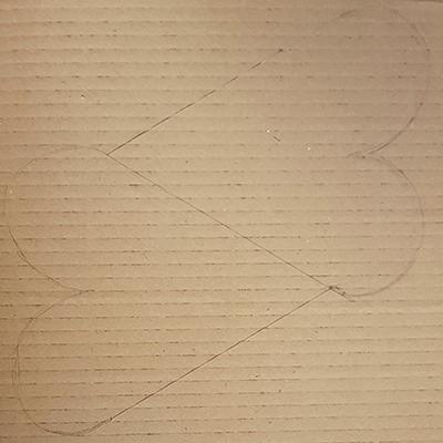 dessin coeurs sur carton