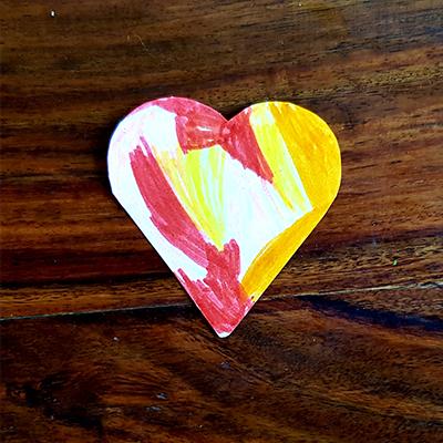 coloriage d'un coeur en papier