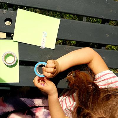 masking-tape pour décorer carte d'anniversaire