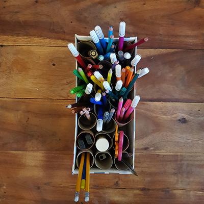 création d'une boite de rangement crayon et feutre