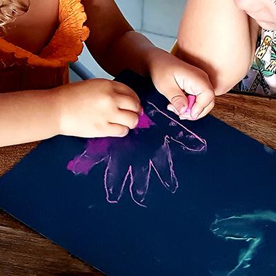 colorier sa main avec le pastel