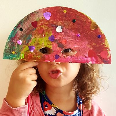 création d'un masque de venise pour les enfants