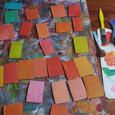 peinture sur carton pour réaliser des maisons de cinque terre