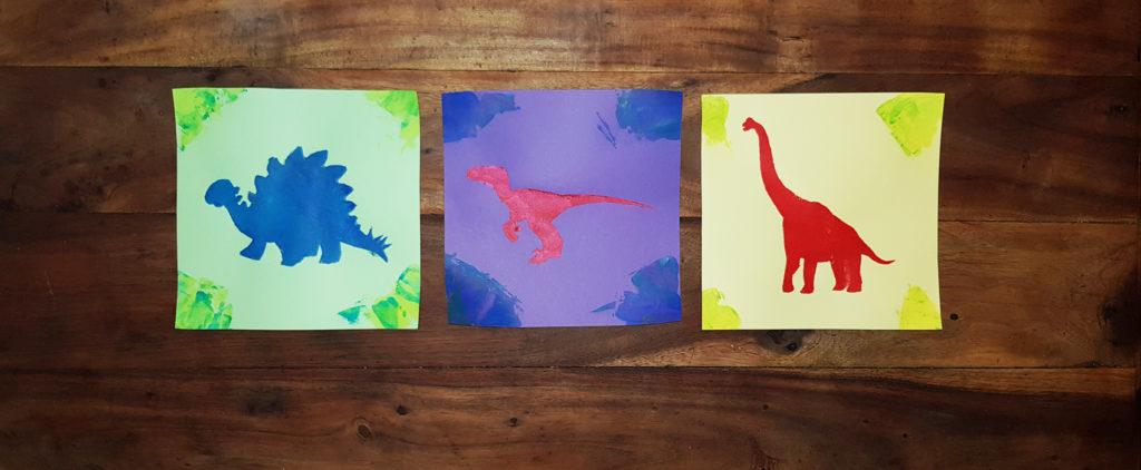 3 dinosaures au pochoir