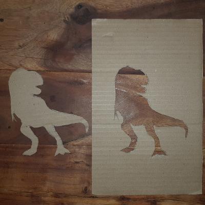 pochoir dinosaure en carton